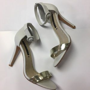 Alice + Olivia White and gold heels